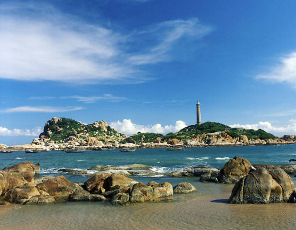 cam-ranh-light.jpg